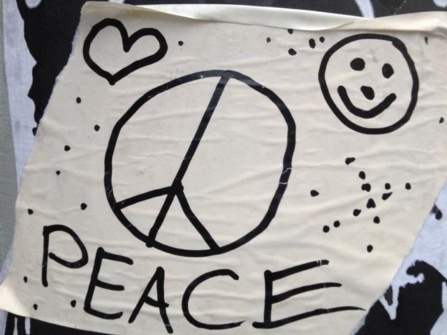 Peace statt friedlichem Fußball-Event