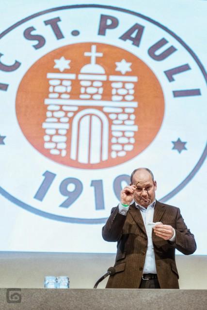 Stefan Orth, Präsident des FC St. Pauli auf der JHV 2012, Foto: Stefan Groenveld, mit freundlicher Genehmigung