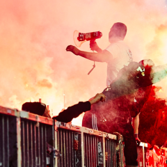 Bengalo-Halbzeit-Show am Millerntor #Pyrotechnik Foto: Stefan Groenveld