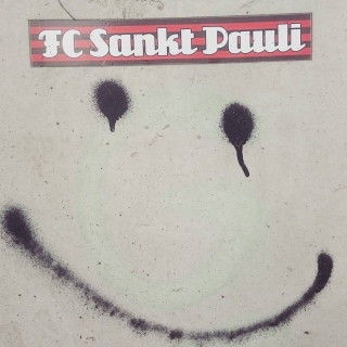 Smile,Sankt Pauli loves you too